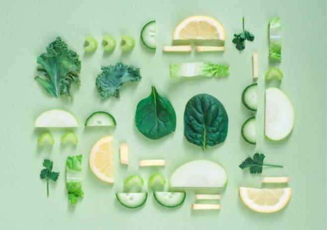 Image de fruits et légumes sur fond vert